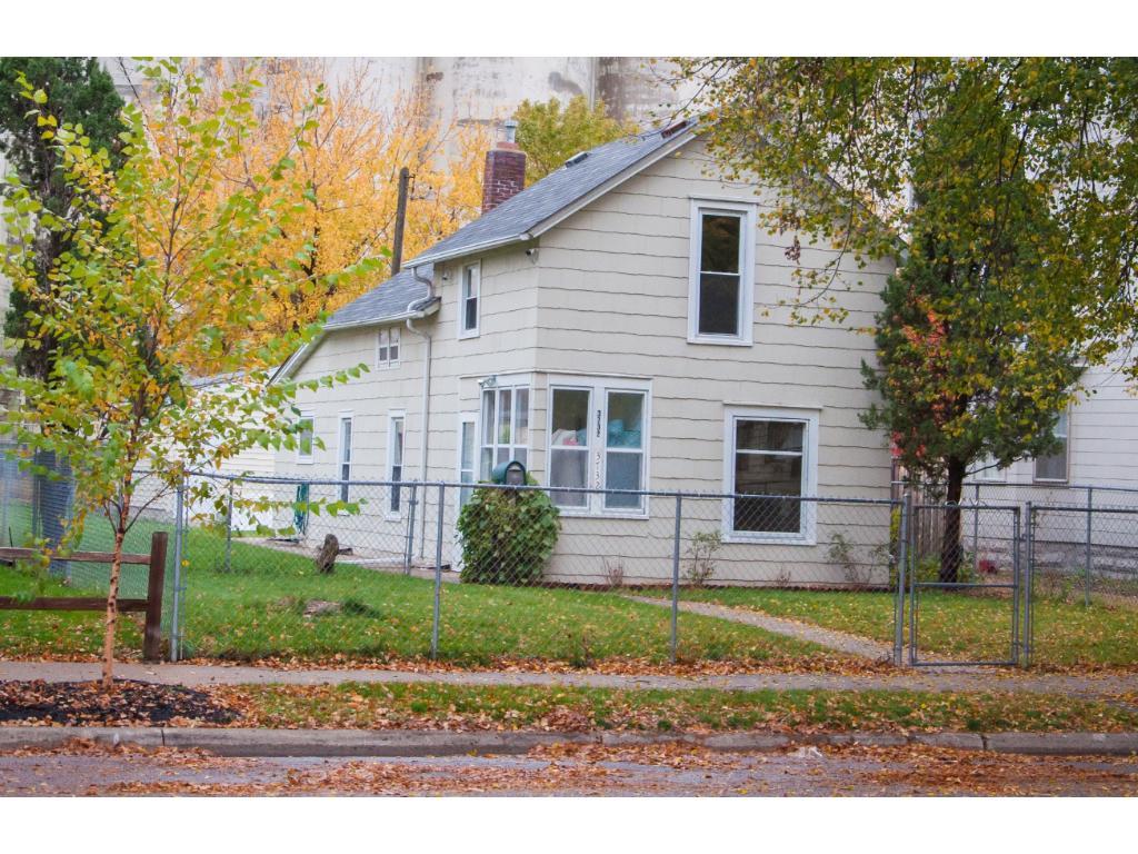 Photo of 3732 Snelling Avenue  Minneapolis  MN