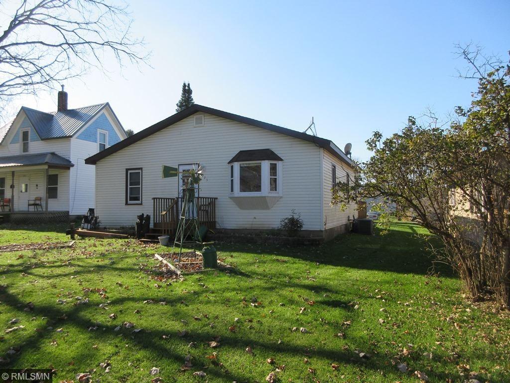 325 S Woodworth St, Elmwood, WI 54740
