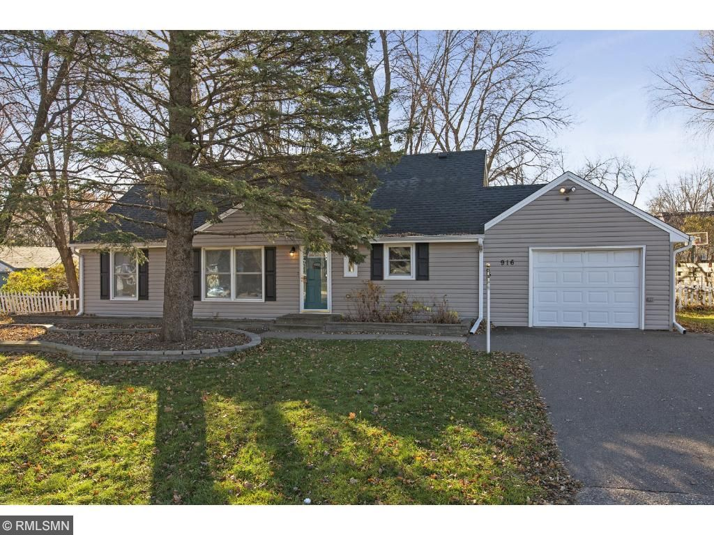 Photo of 916 County Road B2 W  Roseville  MN