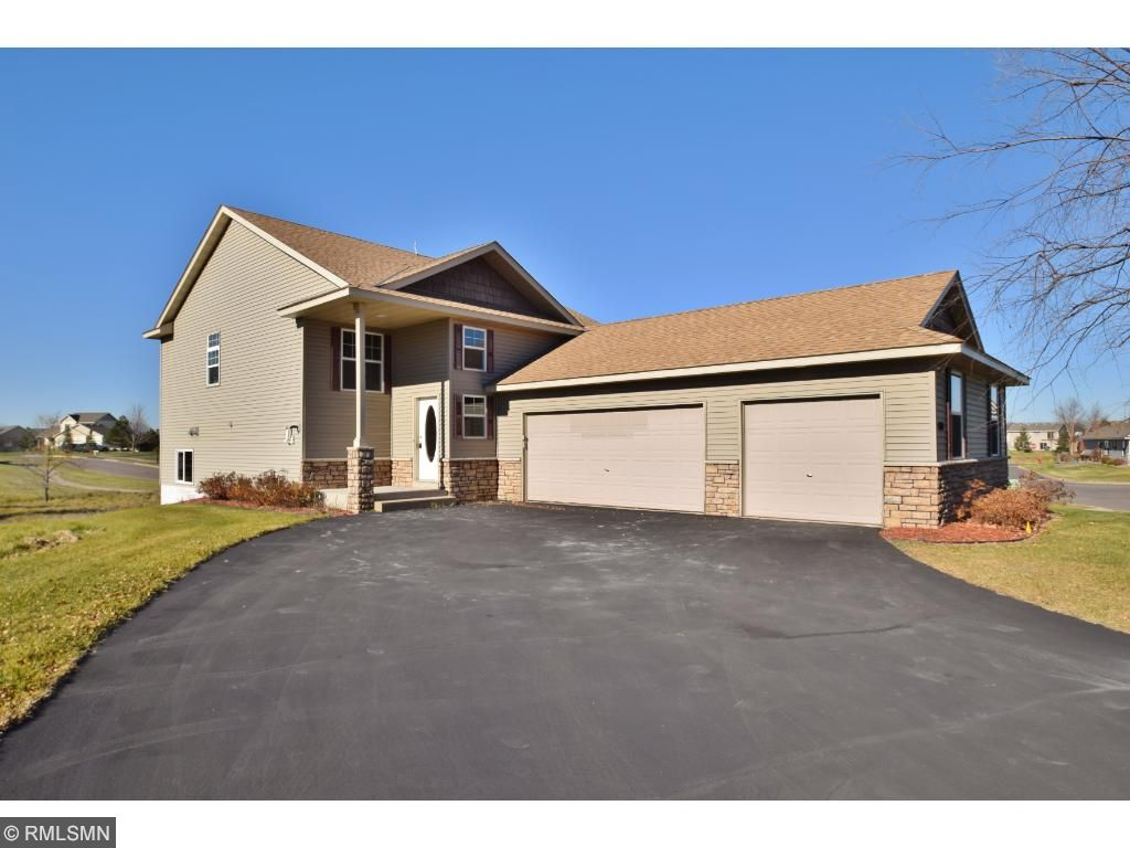 Photo of 800 Winsome Way NW  Isanti  MN