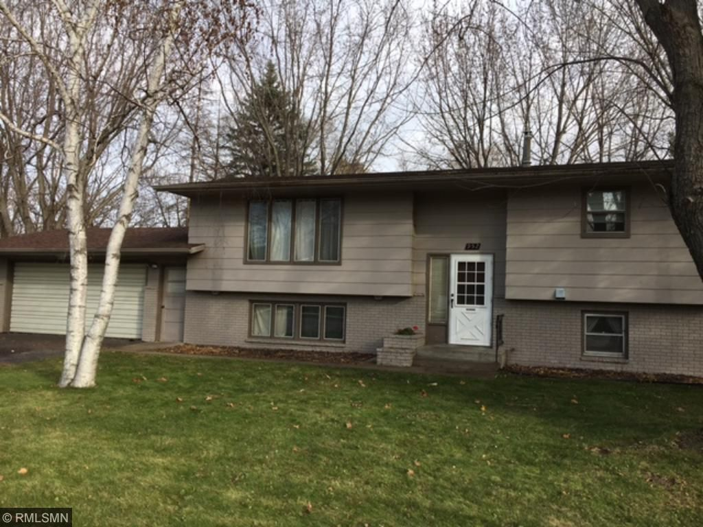 952 6th Ave N, Sauk Rapids, MN 56379