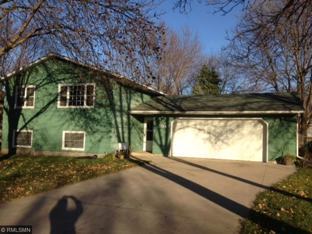 804 3rd St NW, Waseca, MN 56093