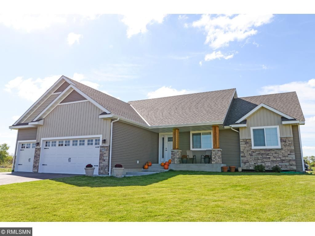 13735 10th Ave S, Zimmerman, MN 55398
