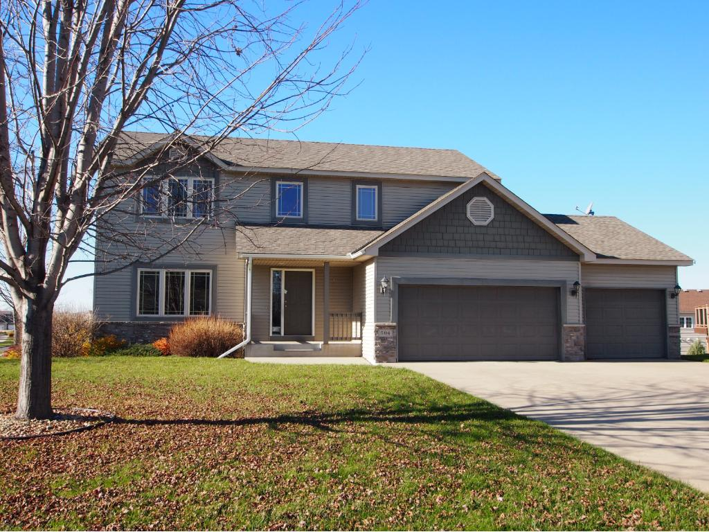 504 Prague Ct SE, New Prague, MN 56071