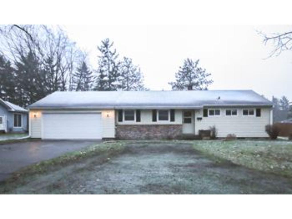 Photo of 907 Fairfield Road  New Richmond  WI