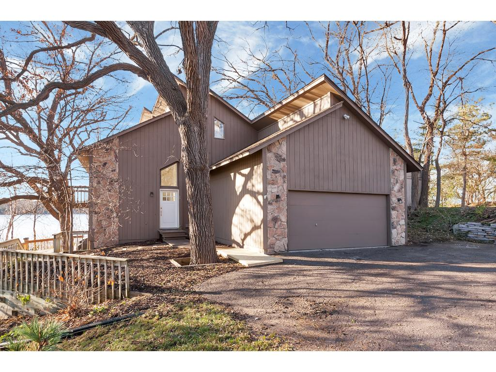 Photo of 1321 Kingsview Lane N  Plymouth  MN