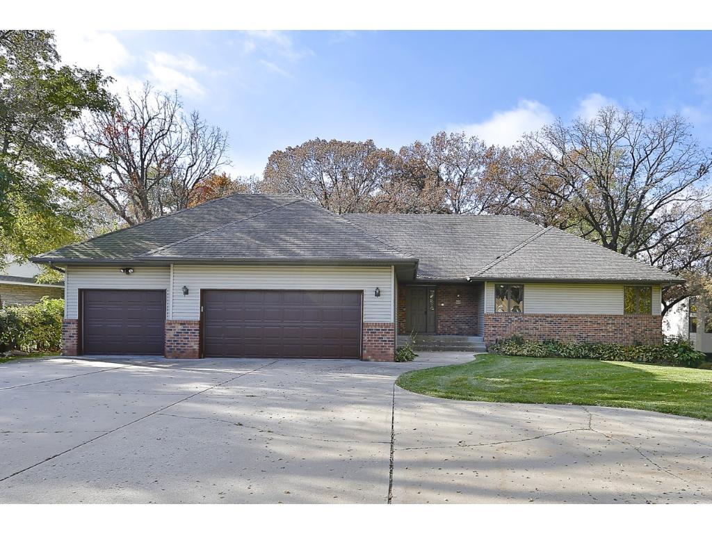 660 River Lane Anoka, MN 55303