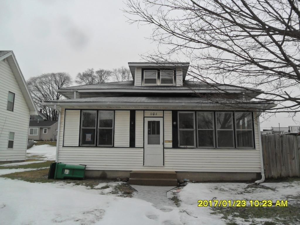 Photo of 101 Vine Avenue W  Montgomery  MN