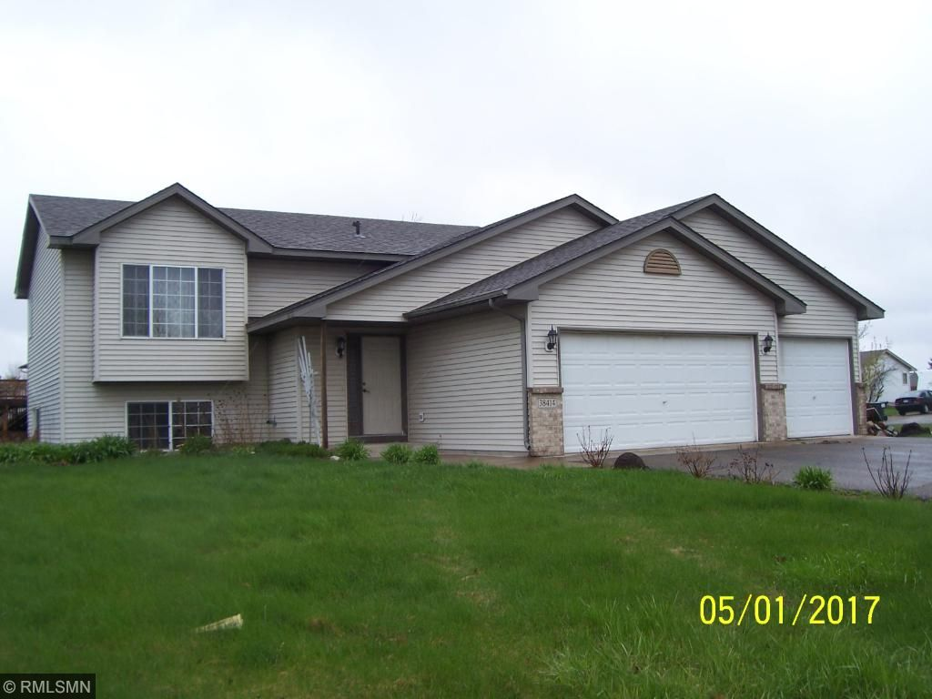 Photo of 38414 Coventry Drive  North Branch  MN