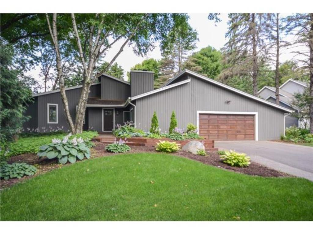 Photo of 260 Ridgeview dr  Wayzata  MN
