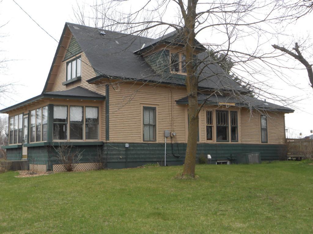 213 N Main St, Upsala, MN 56384