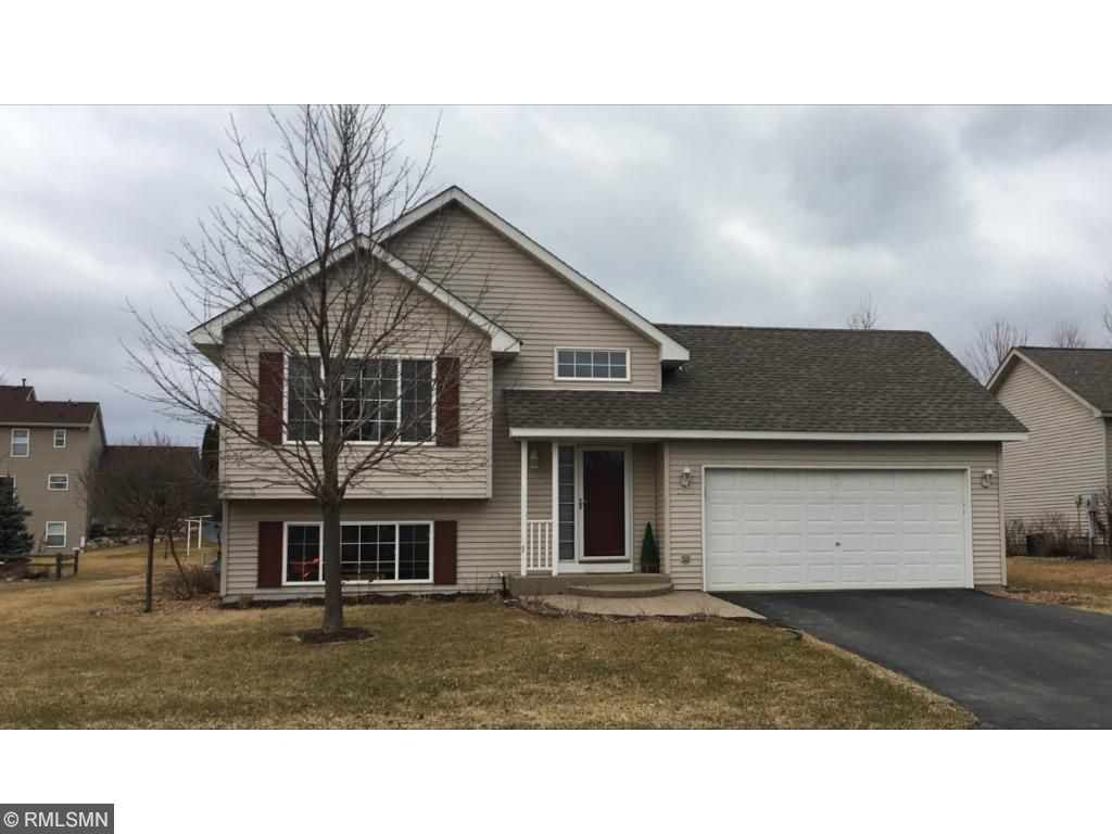 1220 Goldfinch Dr, Waconia, MN 55387