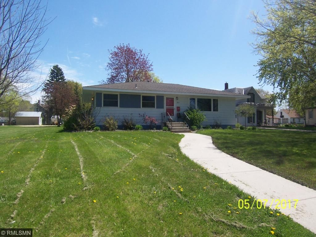 Photo of 613 Holcombe Avenue S  Litchfield  MN