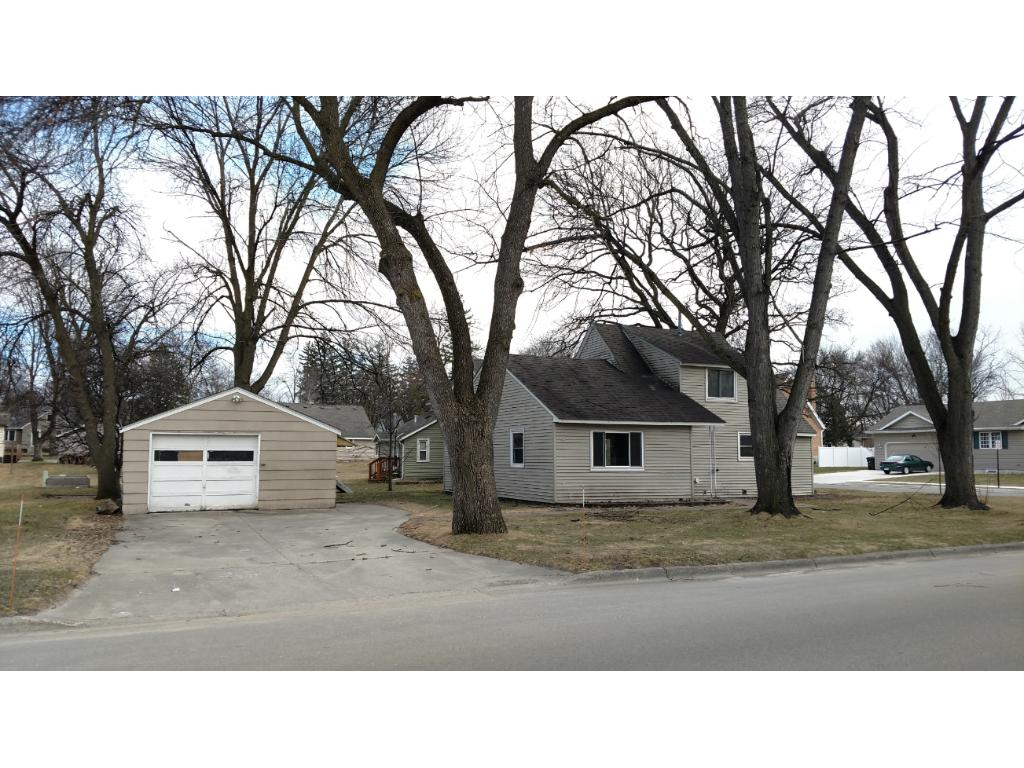 Photo of 437 Linden Avenue SW  Hutchinson  MN