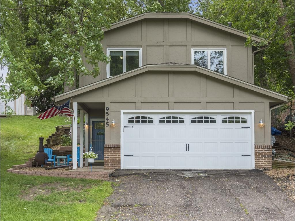 Photo of 9545 23rd Avenue N  Plymouth  MN
