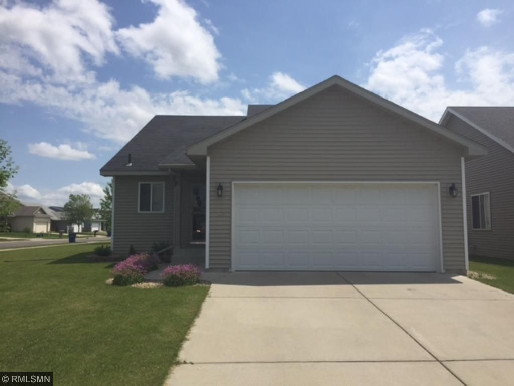 1174 Yellowstone Ave, Saint Cloud, MN 56303