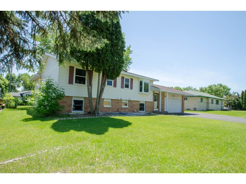 Photo of 4017 80th Avenue N  Brooklyn Park  MN