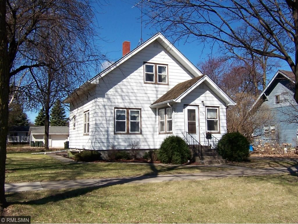 Photo of 576 Monroe Street SE  Hutchinson  MN