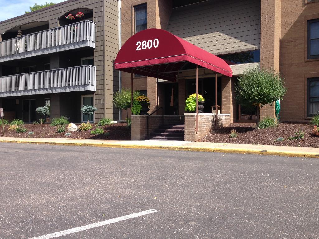 Photo of 2800 Hamline Avenue N  Roseville  MN