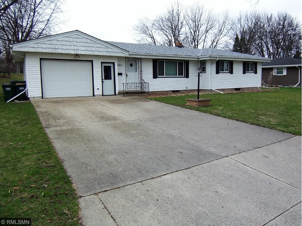 Photo of 840 Oak Street NE  Hutchinson  MN