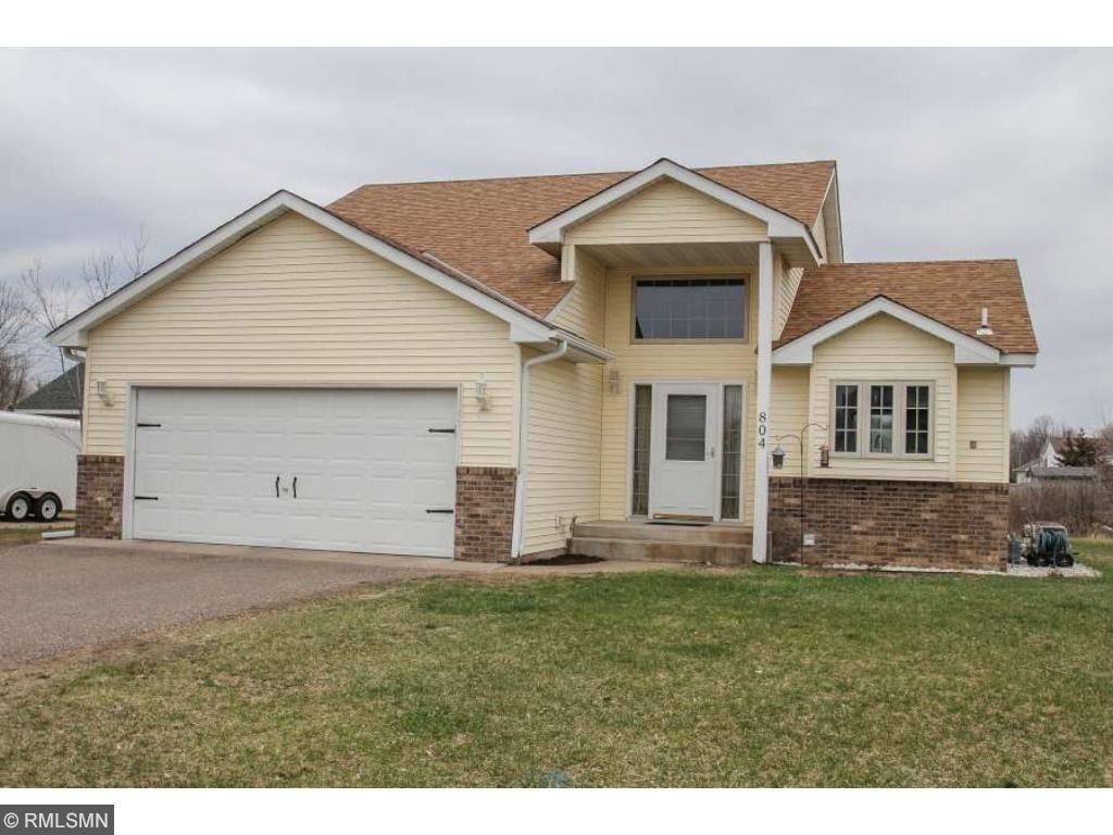 Photo of 804 4th Avenue SW  Isanti  MN