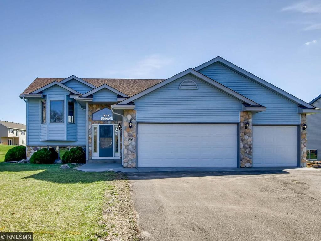 Photo of 11793 N Meadow Curve  Lindstrom  MN