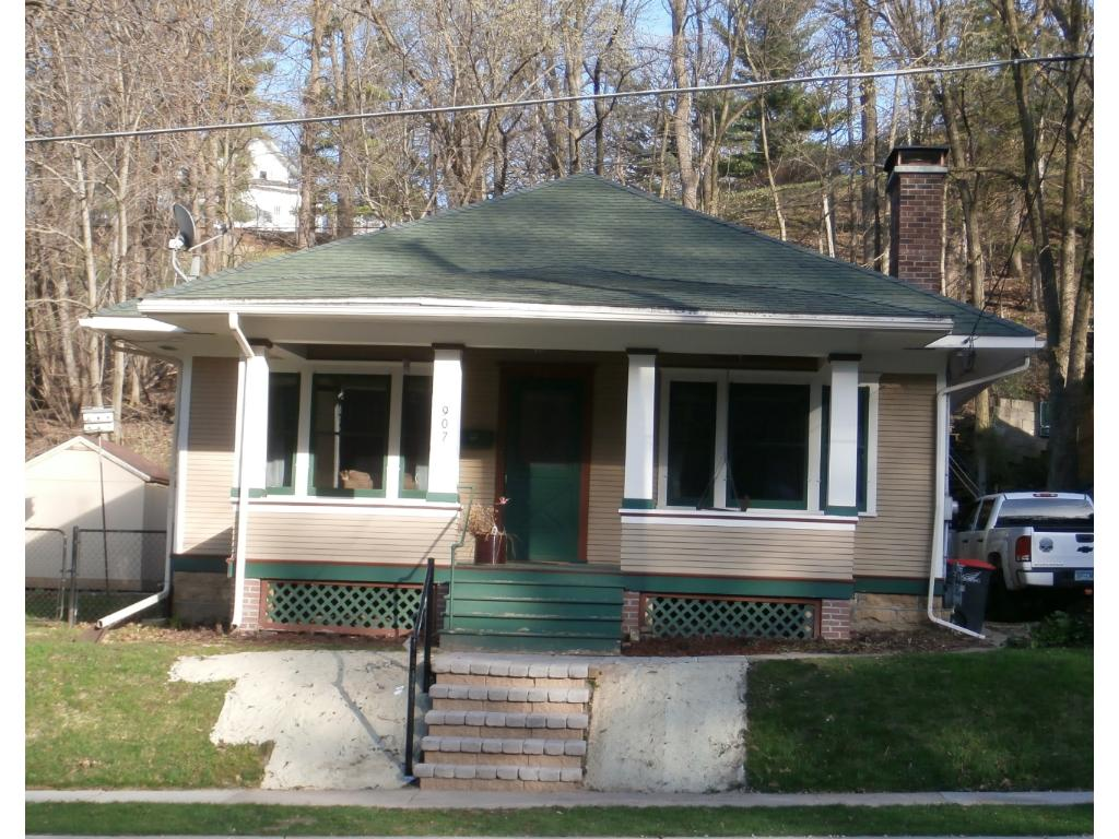 Photo of 907 West Avenue  Red Wing  MN