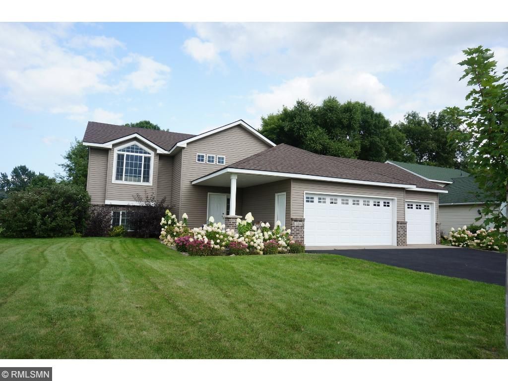 Photo of 424 13th Avenue N  Sartell  MN