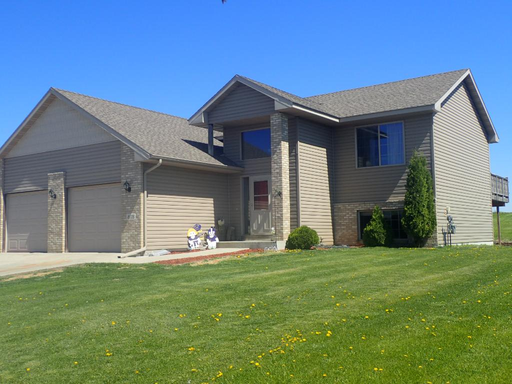 Photo of 818 Cologne Lane  Waverly  MN