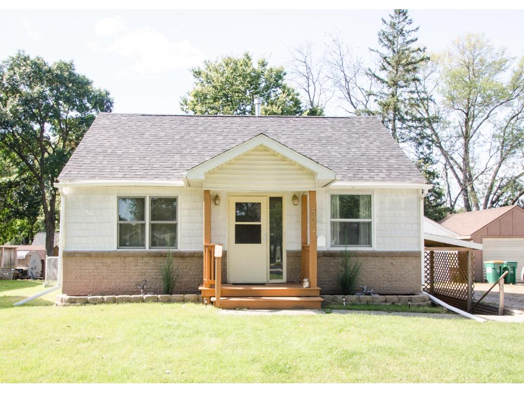 Photo of 807 N Armstrong Avenue  Litchfield  MN