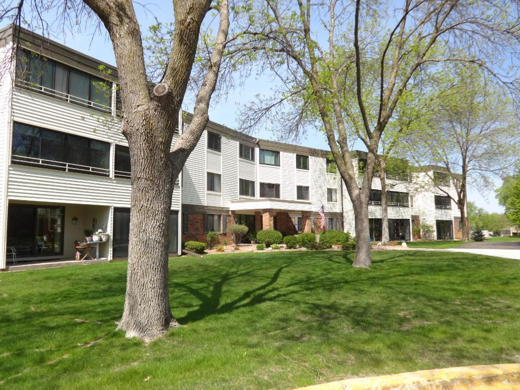 Photo of 10600 43rd Avenue N  Plymouth  MN