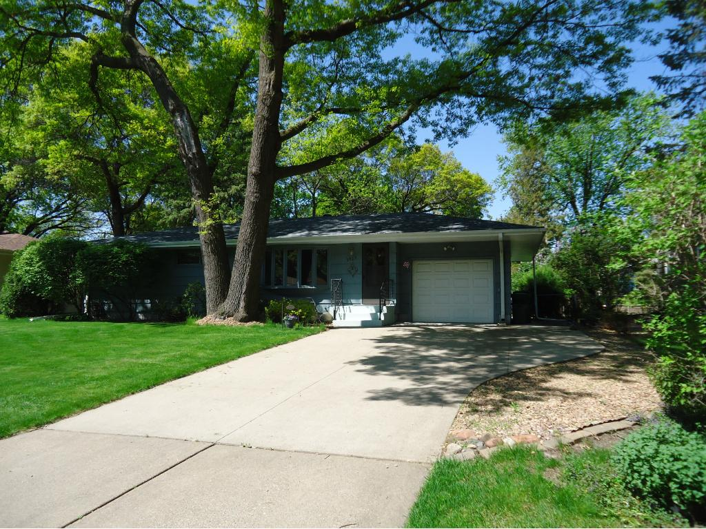 Photo of 2823 Matilda Street  Roseville  MN