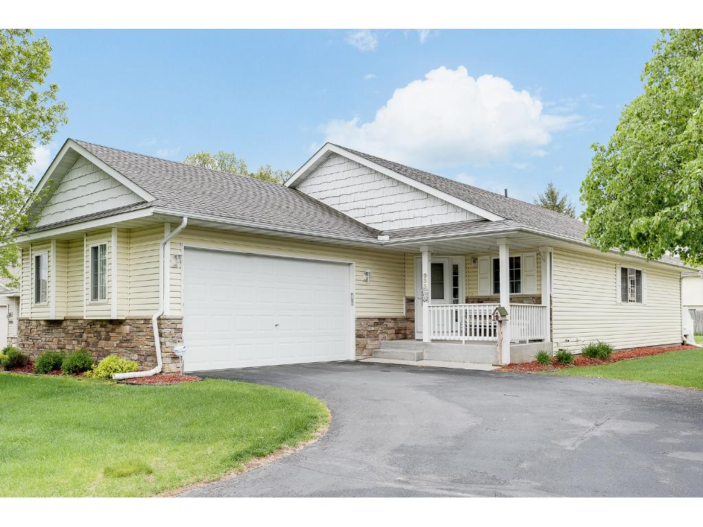 Photo of 933 Winsome Way NW  Isanti  MN