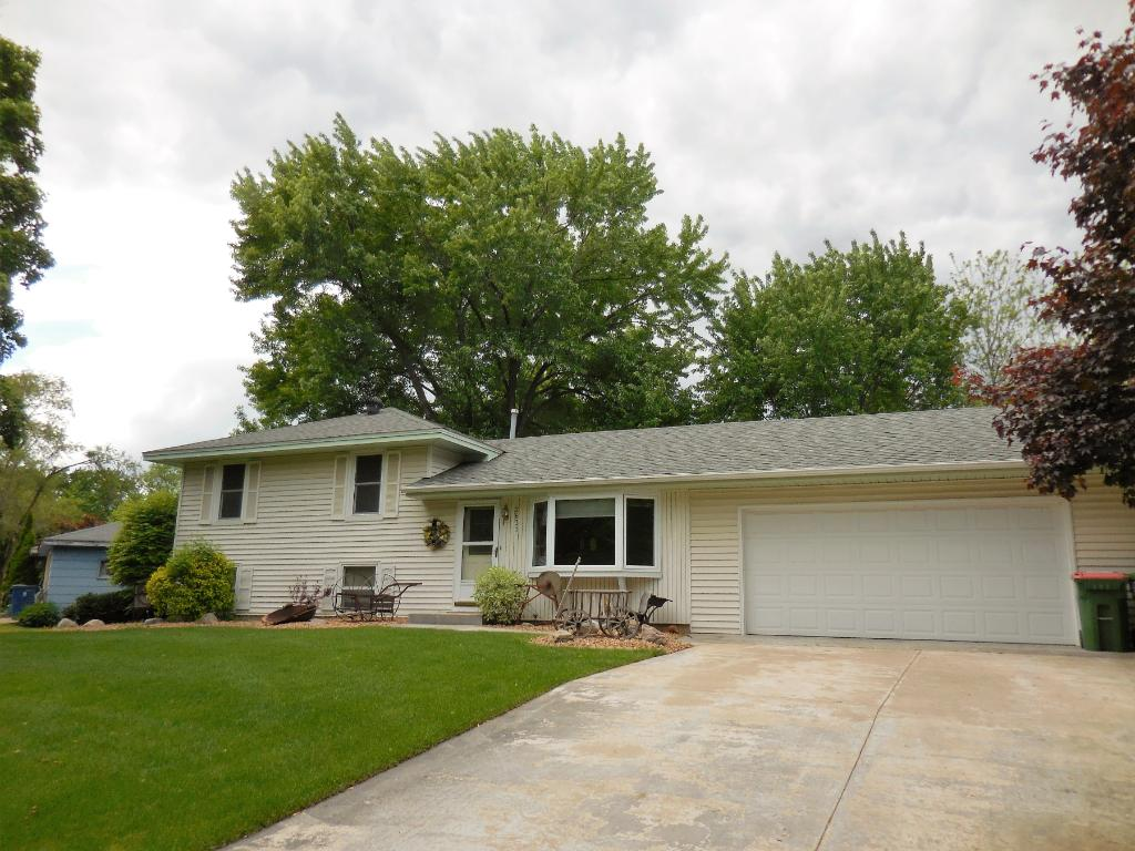 Photo of 2831 114th Avenue NW  Coon Rapids  MN