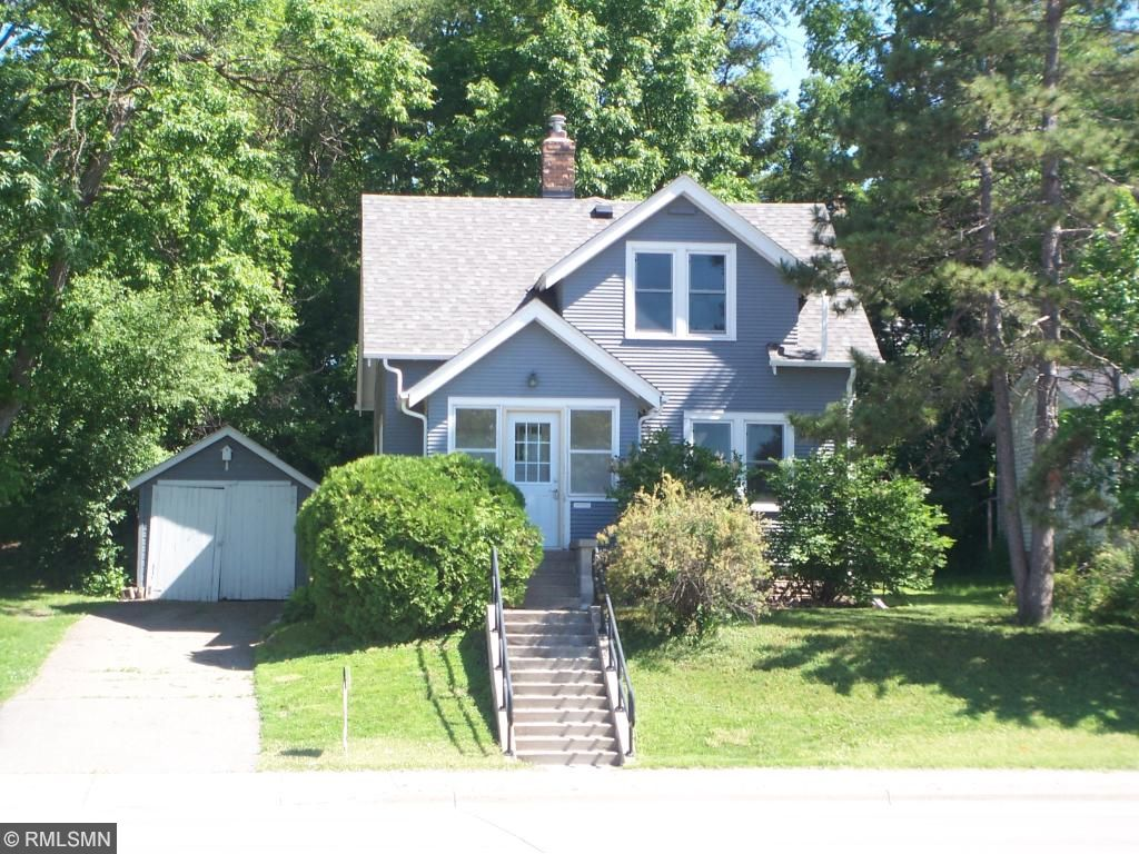 Photo of 109 4th Avenue NW  Hutchinson  MN