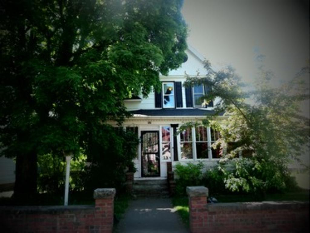 Photo of 414 Court Avenue N  Sandstone  MN
