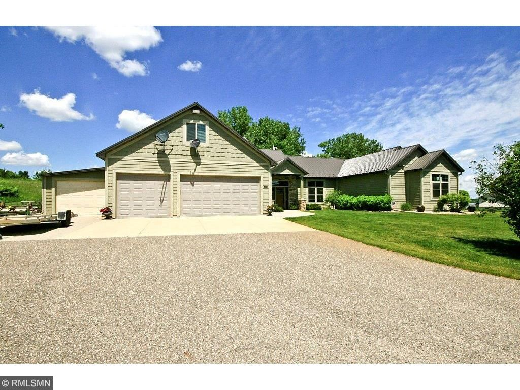 Photo of 21073 654th Avenue  Litchfield  MN