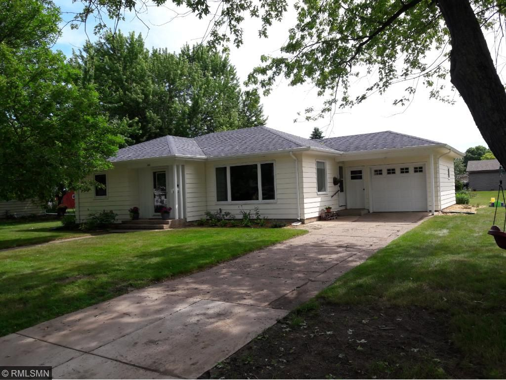 Photo of 346 E River Drive  New Richmond  WI