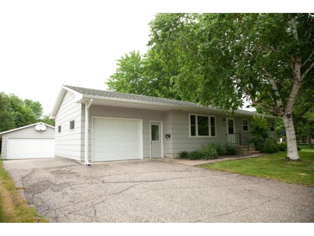 Photo of 130 E Nelson Street  Litchfield  MN