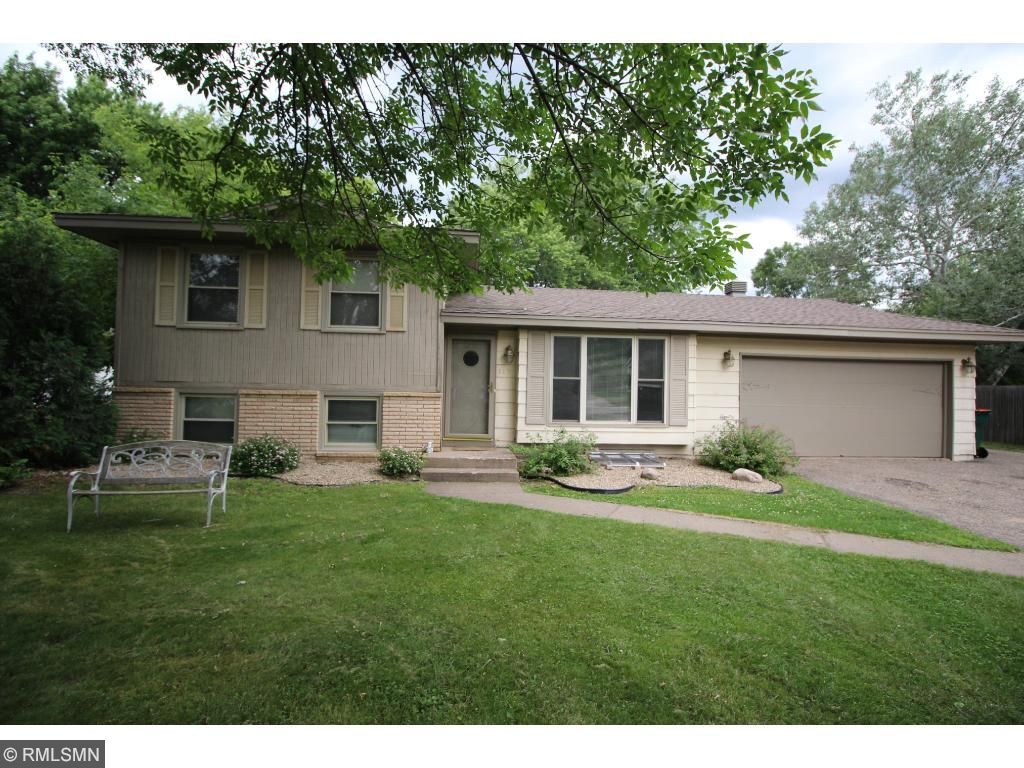 Photo of 117 Oak Park Drive NE  Blaine  MN