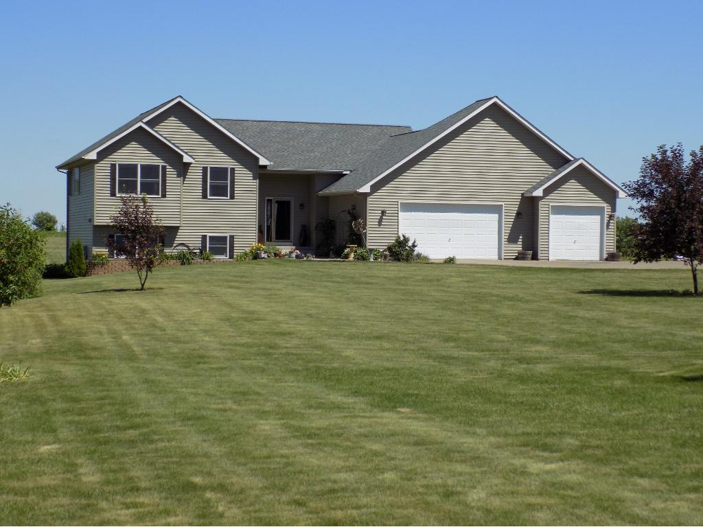 Photo of 1021 110th Street  Roberts  WI