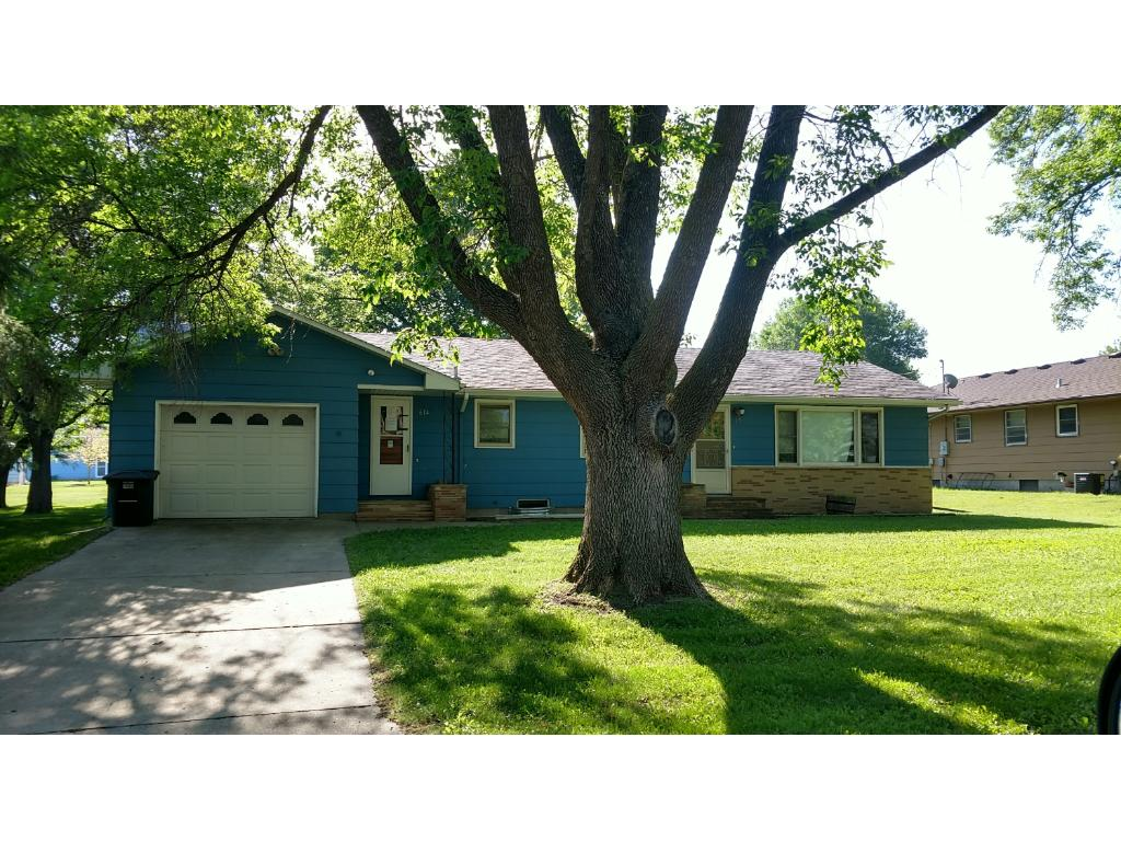 Photo of 614 8th Street  Gaylord  MN
