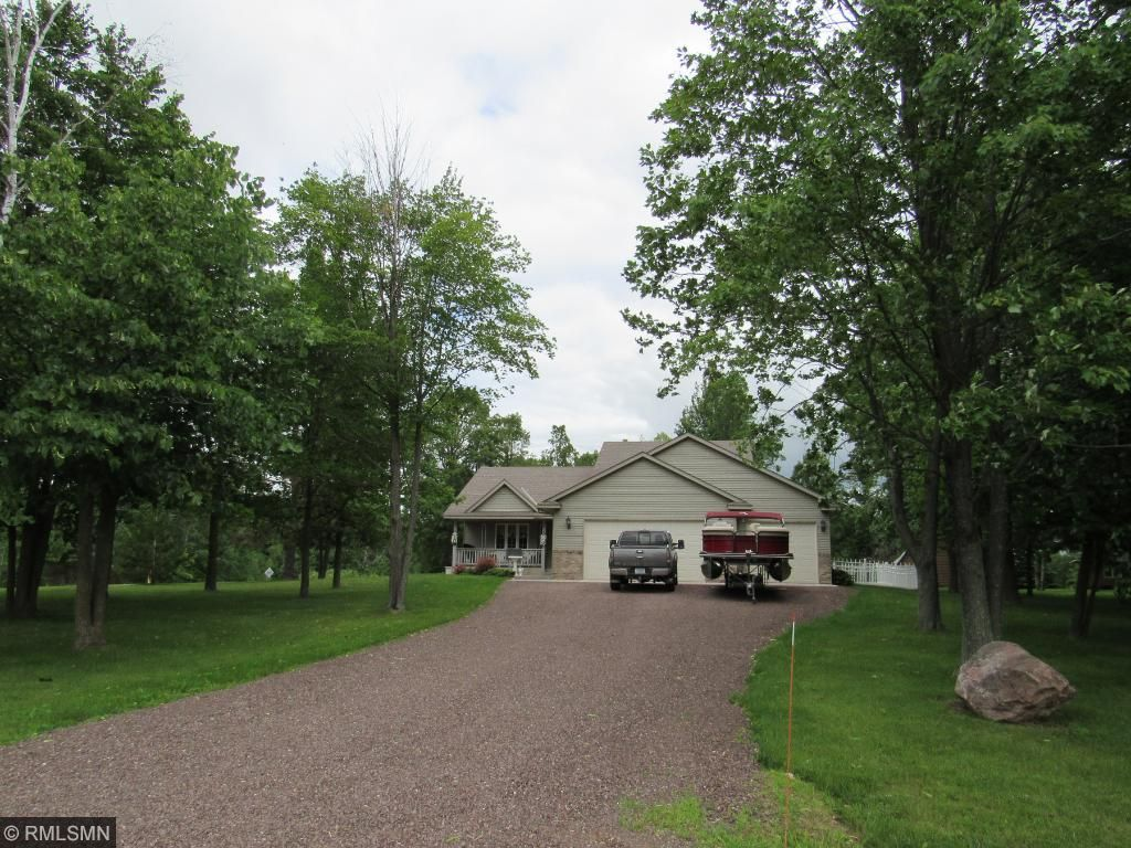 Photo of 101 Carriage Hill Drive  Hinckley  MN