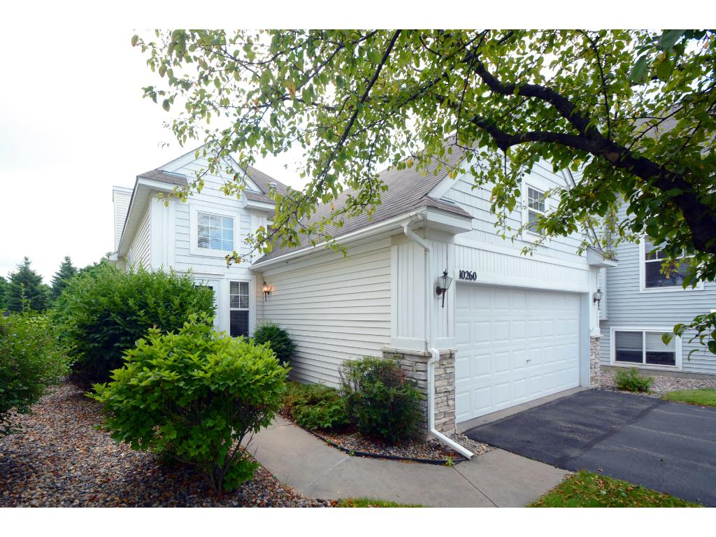 Photo of 10260 Country Club Alcove  Woodbury  MN