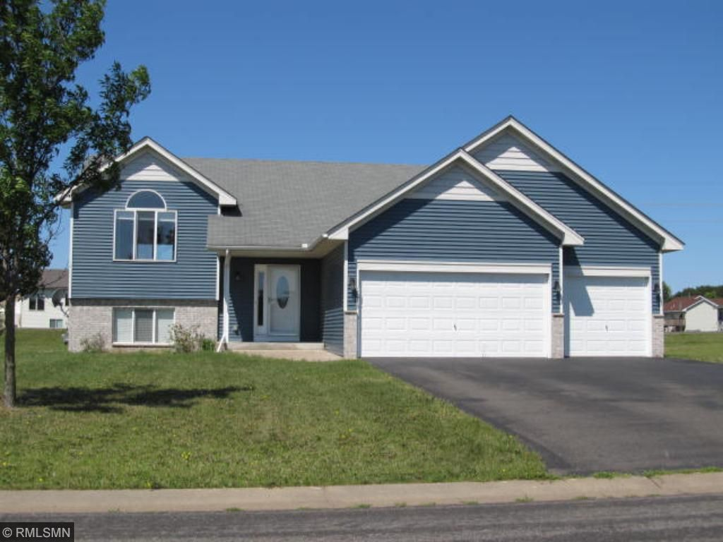 Photo of 1013 8th Avenue SW  Isanti  MN