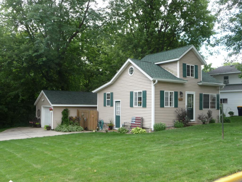 Photo of 208 N Grant Street  Ellsworth  WI