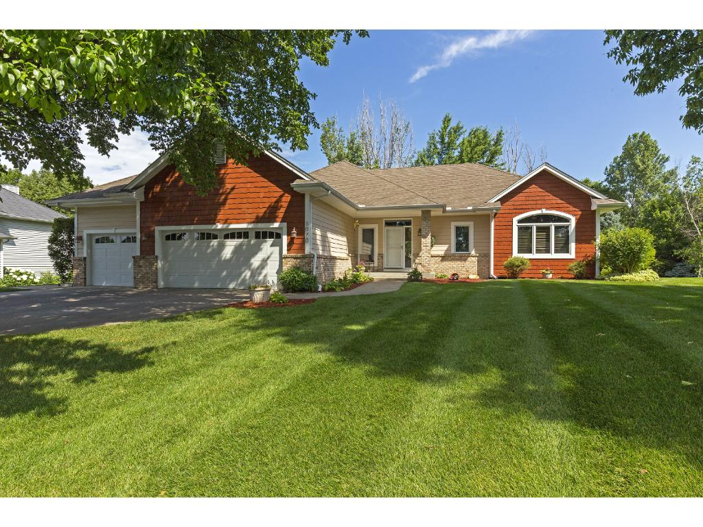 1070 Bluff Pass N, Chaska in Carver County, MN 55318 Home for Sale