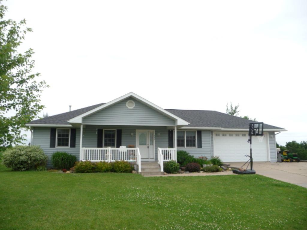 Photo of 386 W Overlook Drive  Ellsworth  WI