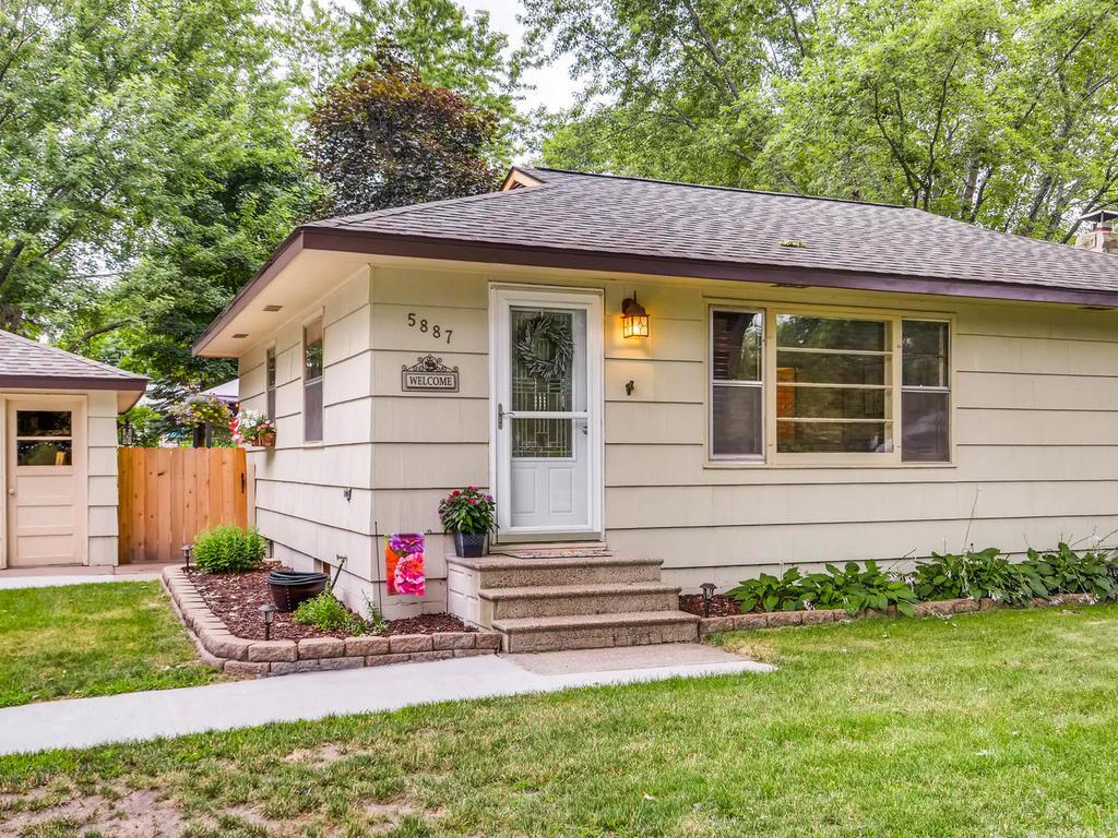 Photo of 5887 Saint Albans Street N  Shoreview  MN