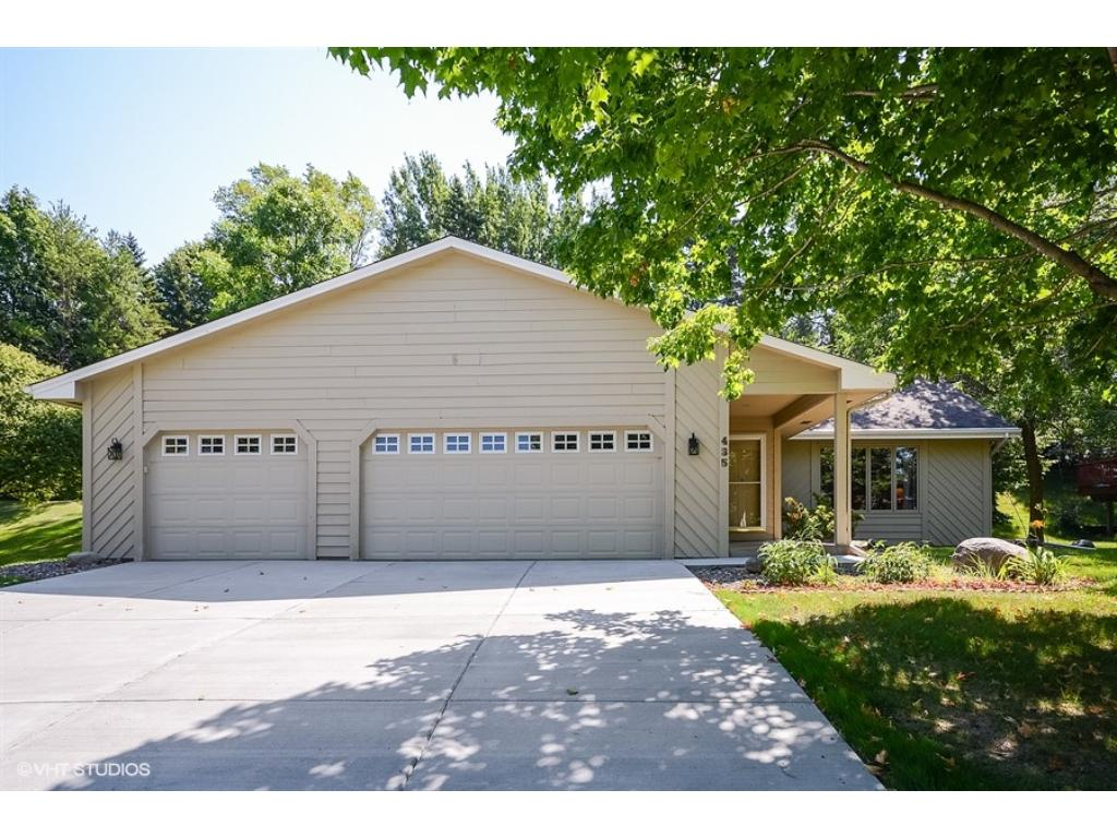 Photo of 435 Ridge View Circle  Medina  MN